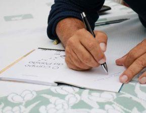 Supervisor de condomínios da Viper lança segundo livro de poesias